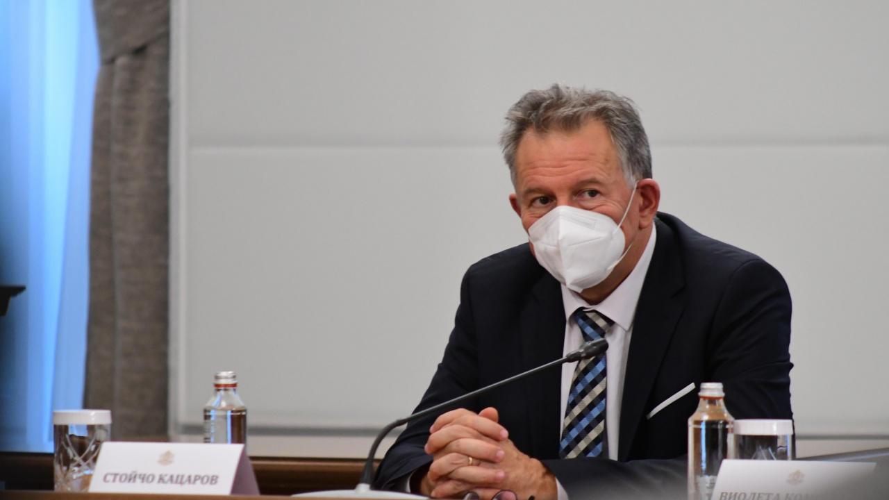 СЗБ и БАЗ:  Стойчо Кацаров отново се изплю върху нашия бранш!