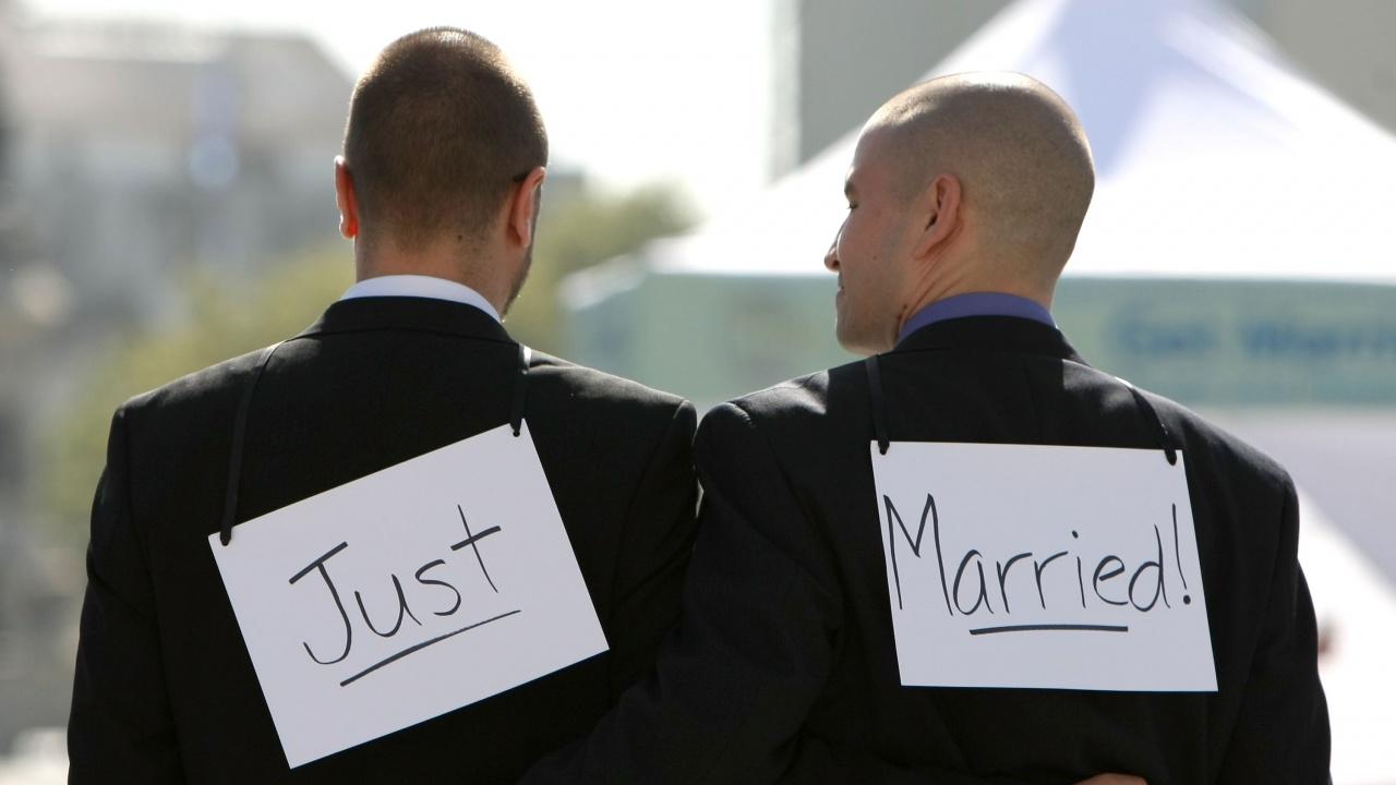 Швейцария решава на референдум за еднополовите бракове