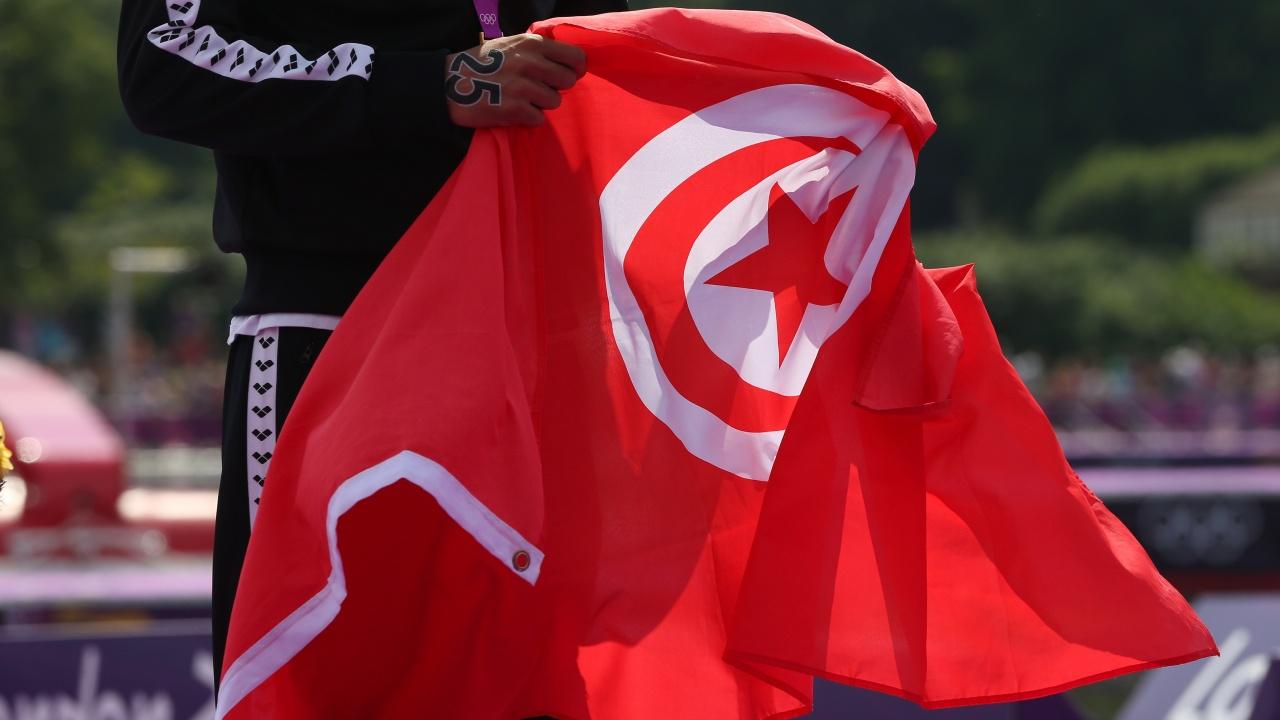 Повече от 110 членове на най-голямата партия в Тунис напуснаха редиците й