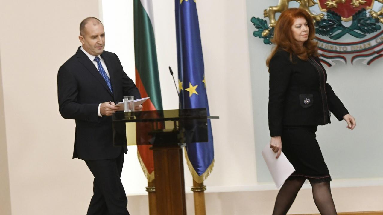 Утре издигат кандидатурите на Румен Радев и Илияна Йотова за втори мандат