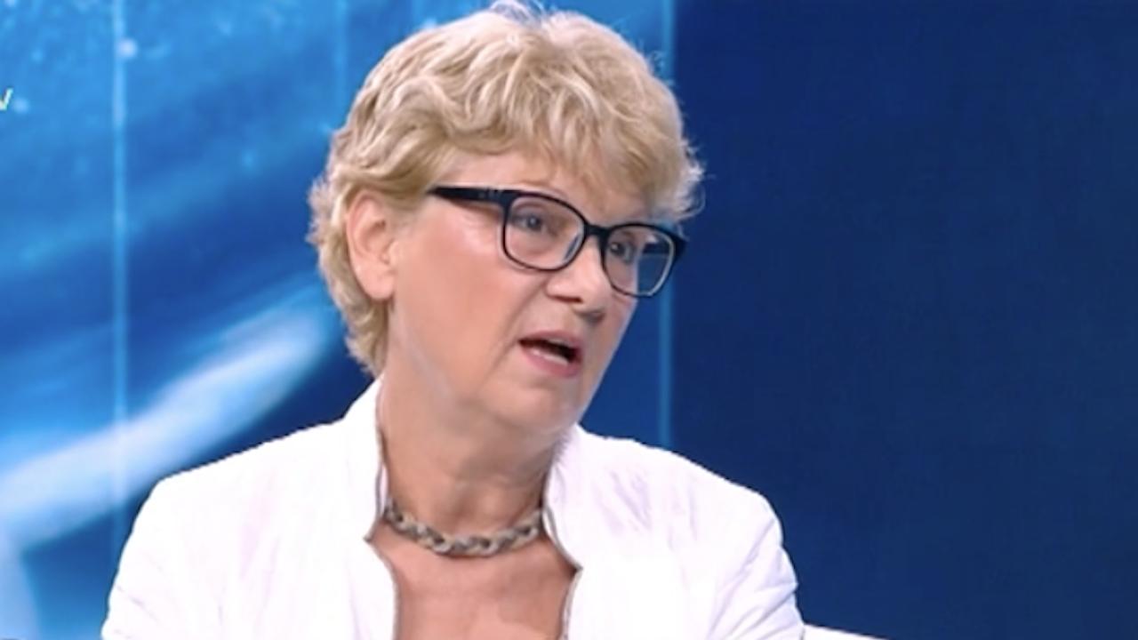 """Министър Комитова: Предизборна лъжа е, че АМ """"Хемус"""" ще бъде завършена до 2024 г."""