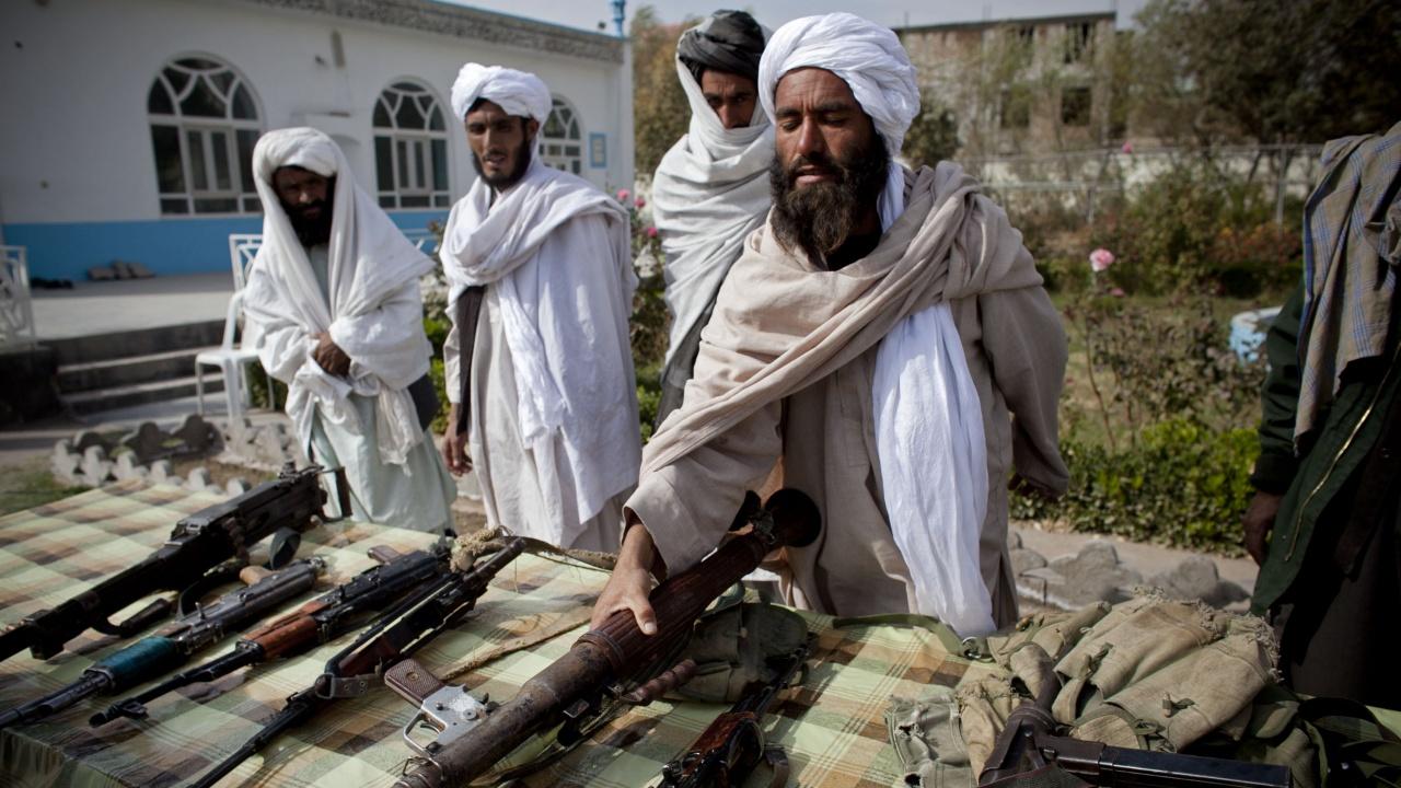 Талибаните издадоха забрана в Южен Афганистан за бръсненето на брадите