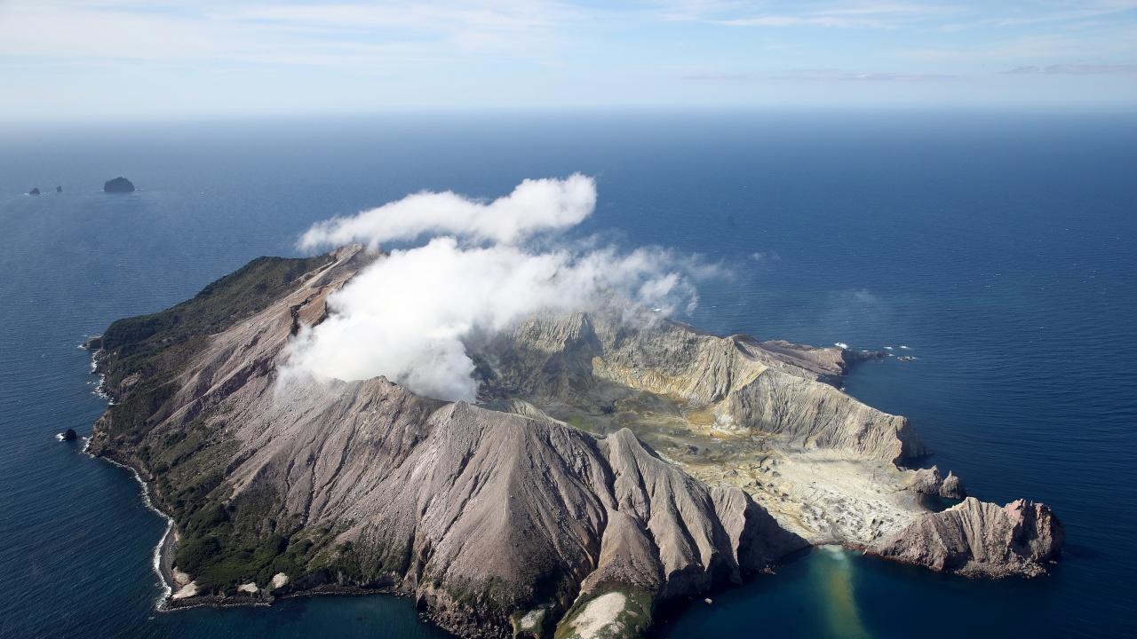 Вулканът на Канарските острови изведнъж престана да изхвърля лава след осемдневното си изригване