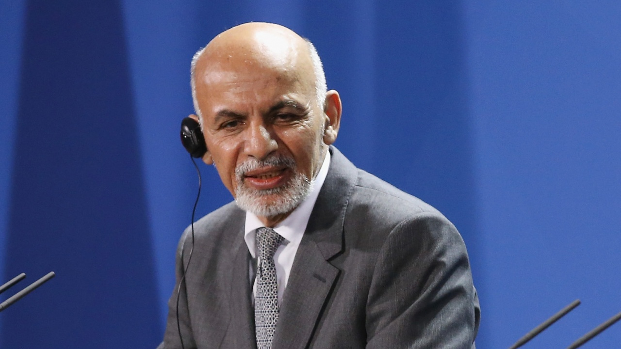 Бившият президент на Афганистан към света: Признайте властта на талибаните