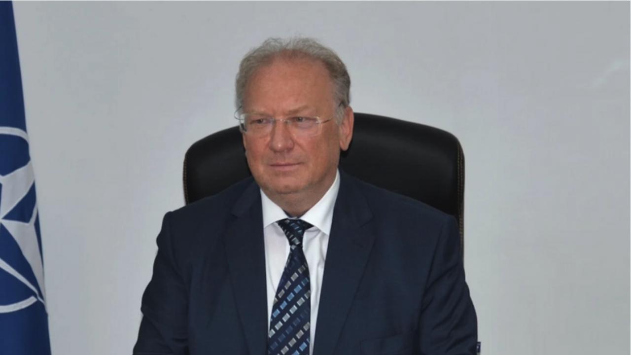 Министър Стоев разговаря по телефона с иранския си колега