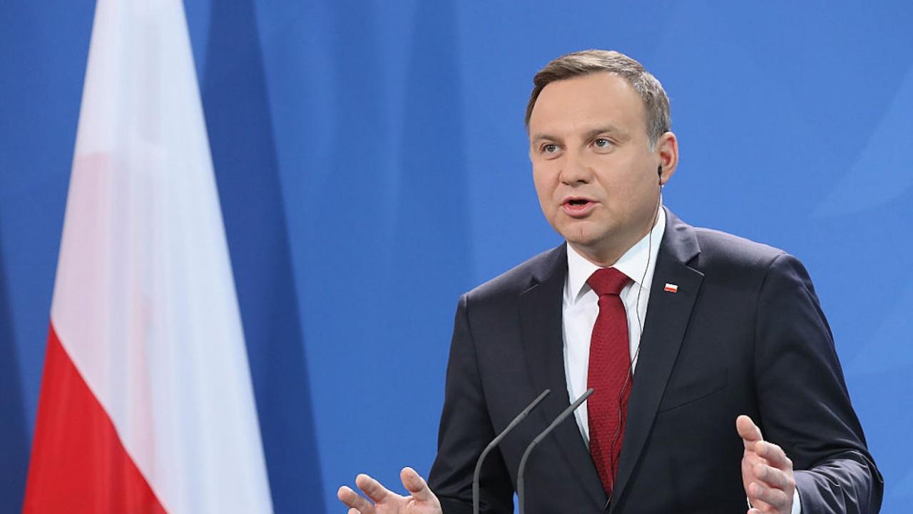 Полското правителство ще поиска от президента да удължи срока на извънредното положение по границата с Беларус