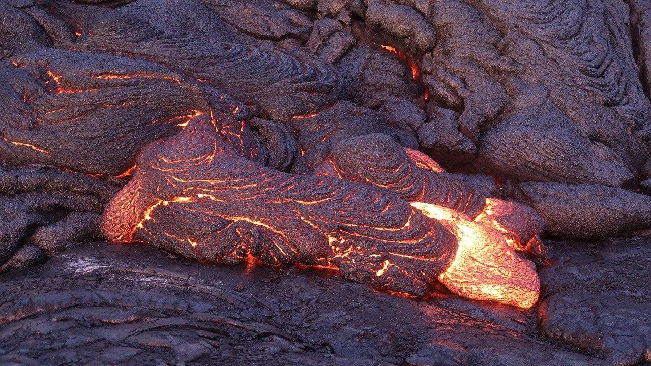 Девет дни след изригването на вулкана на испанския остров Ла Палма лавата достигна океана