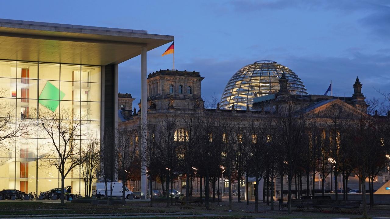 Британска медия за преговорите за кабинет в Берлин: Сблъсък на два различни свята