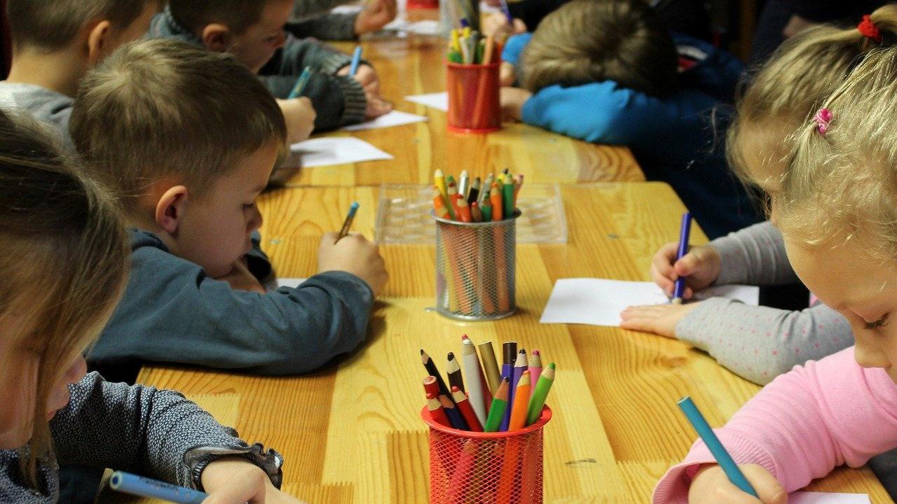 Според омбудсмана Диана Ковачева такси за детските градини не трябва да има