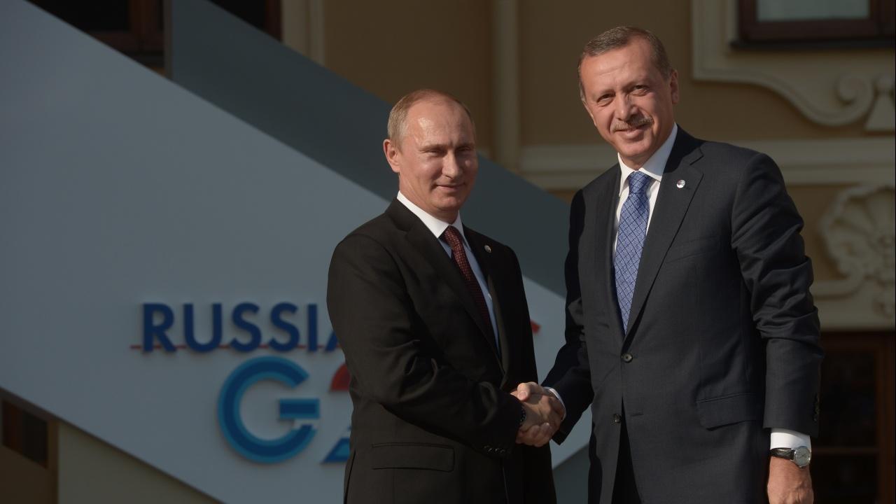 Путин и Ердоган на среща на четири очи в Сочи