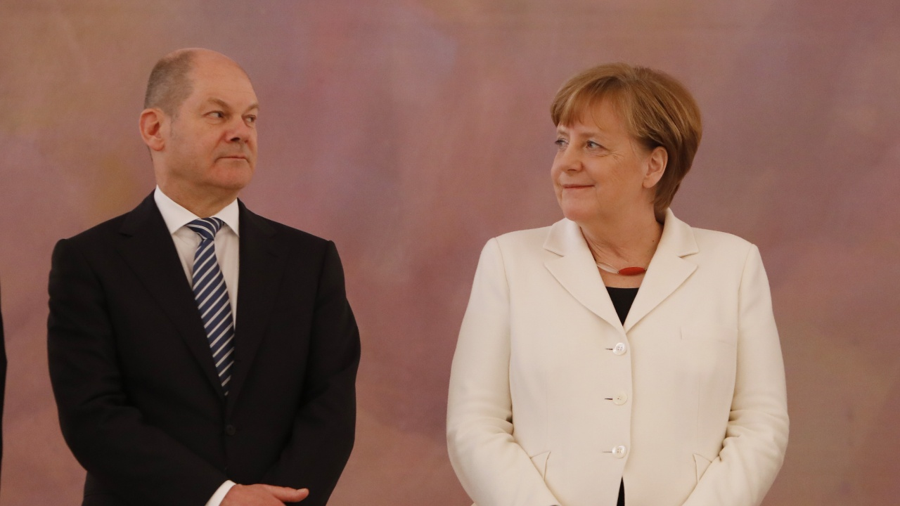 Ангела Меркел поздрави Олаф Шолц за успеха му на изборите в Германия