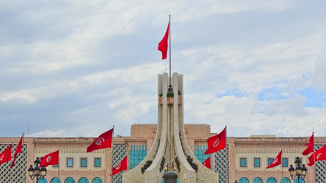 В Тунис номинираха за първи път жена за премиер