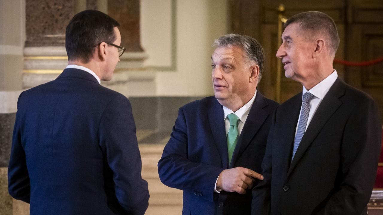 Орбан удари рамо на Бабиш за предизборната кампания в Чехия