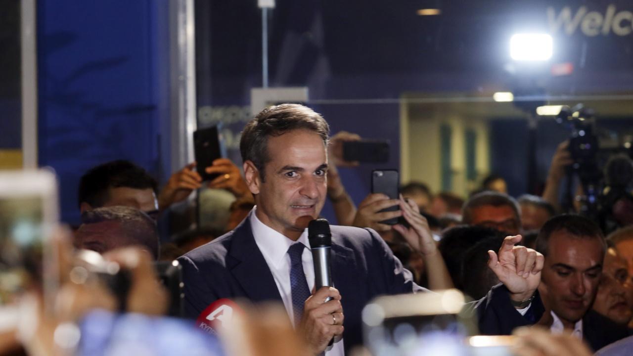 Мицотакис: Гърция не подкрепя блокадата на започването на преговорите със С. Македония