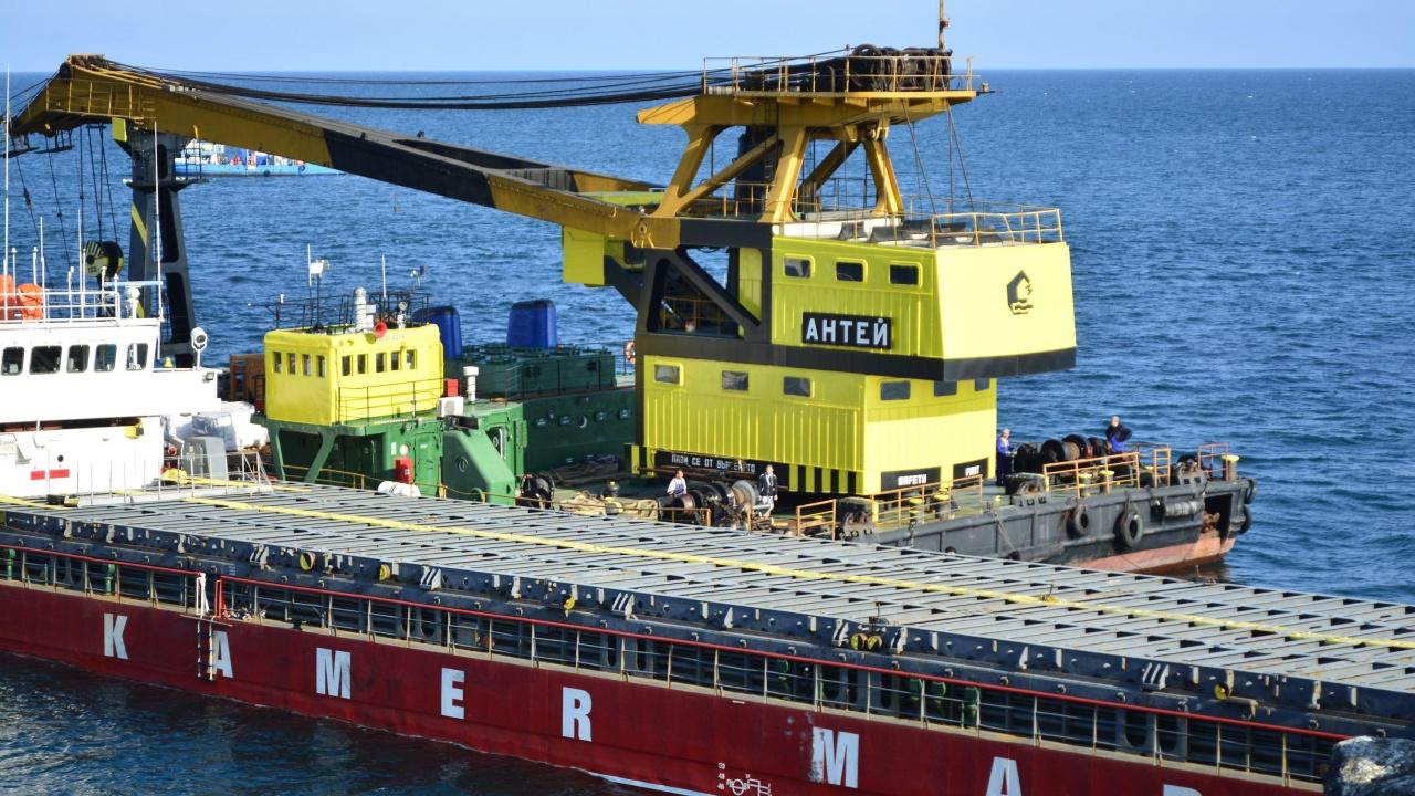 Подготвят се варианти за евакуация на екипажа на кораба Vera Su
