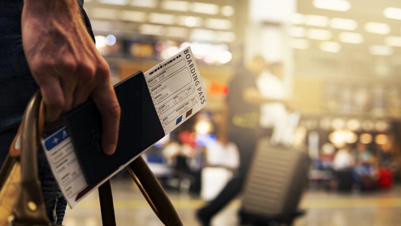 От днес влизаме във Великобритания само с валиден международен паспорт