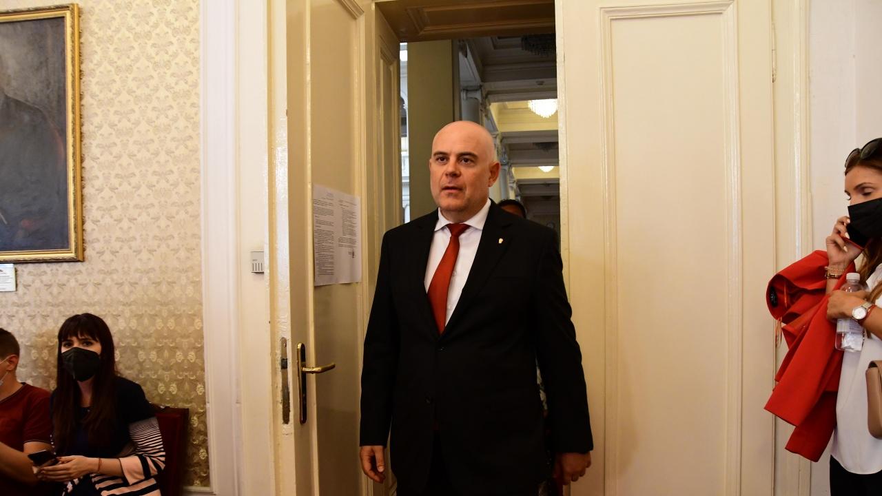 Гешев обсъди с колегите си от Бургас провеждането на изборите