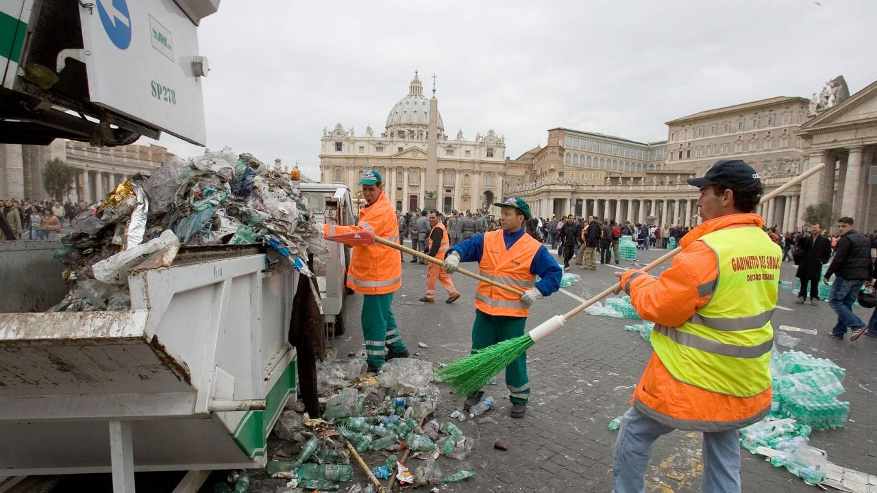 Рим избира нов кмет на фона на кризата с боклука в италианската столица