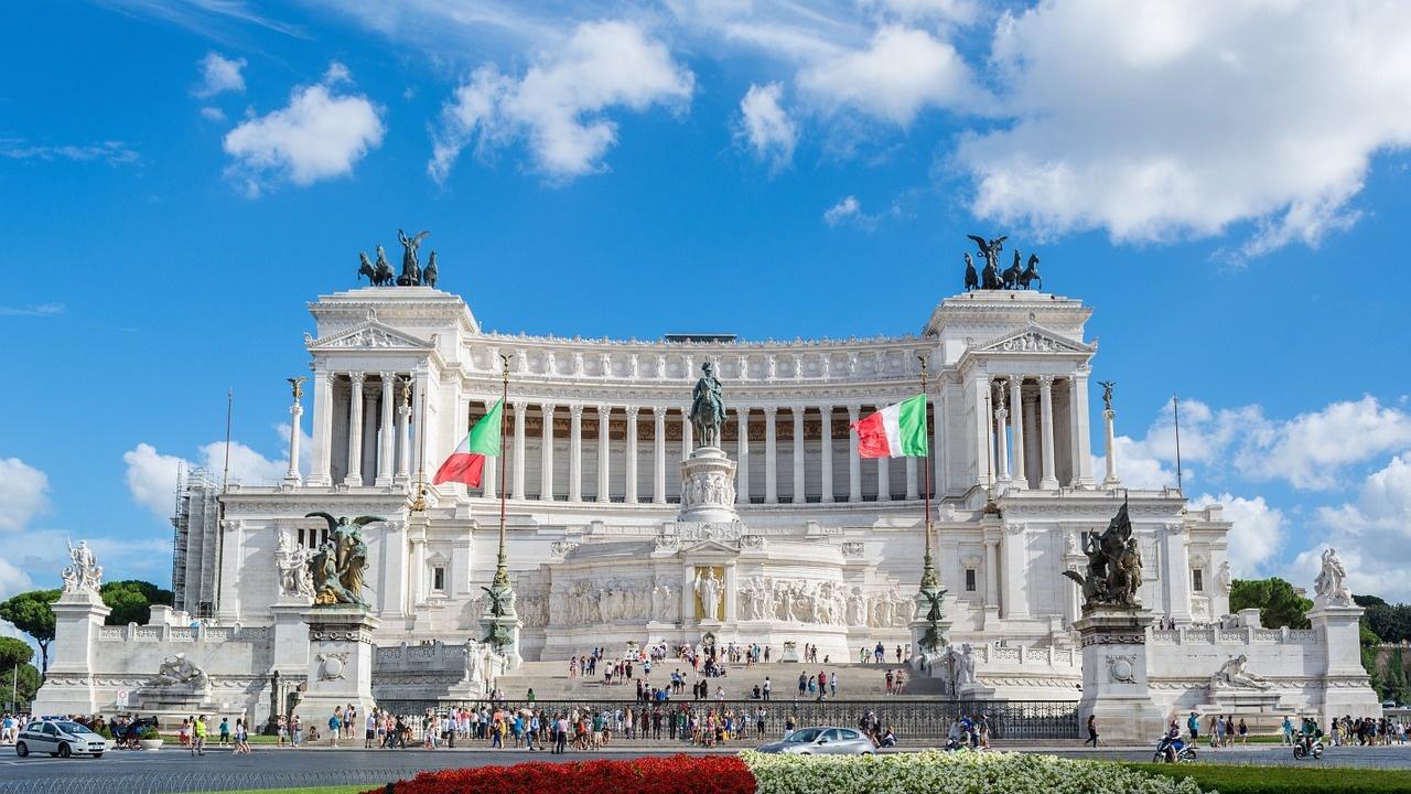 Италианците гласуват на местни избори