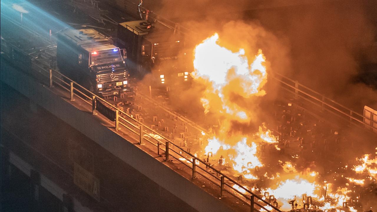 Пожар почти унищожи Железния мост в Рим