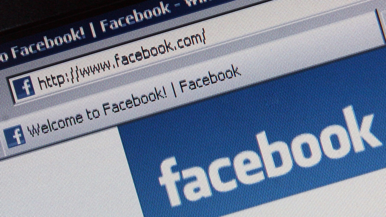 Зукърбърг изгуби над 6 млрд. долара за броени часове, след като  акциите на Фейсбук се сринаха