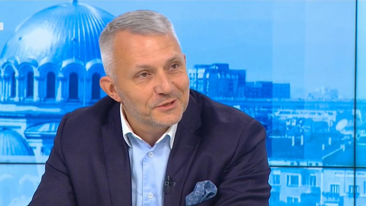 Хаджигенов: Основният конкурент на Радев е Лозан Панов. Борисов го е страх