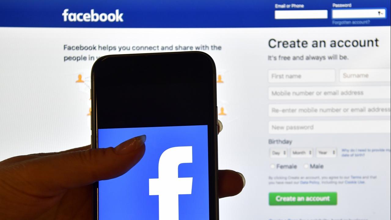 Фейсбук се връща към нормалния си ритъм на фона на обвинения в дезинформация