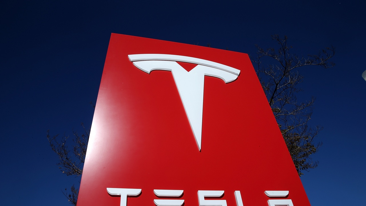Тесла ще плати над 130 млн. долара на  бивш служител заради расистки тормоз