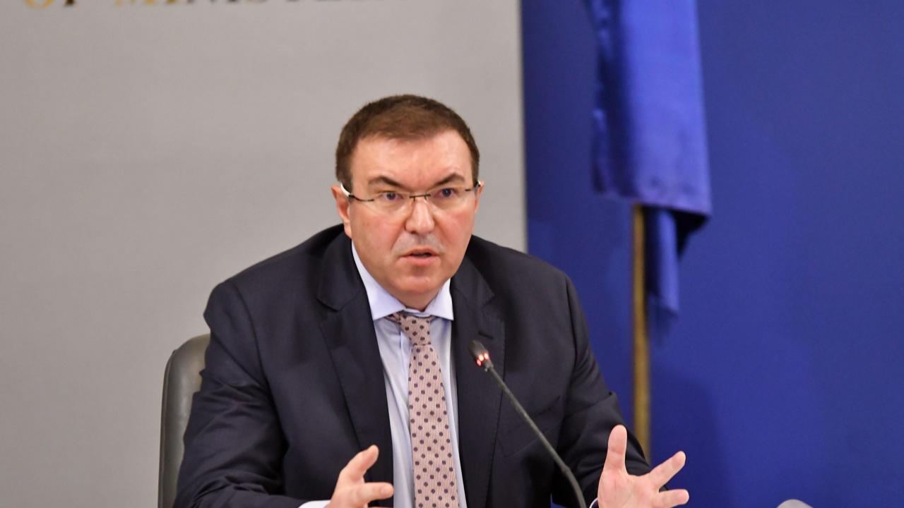 Проф. Ангелов: Дали приоритет на Румен Радев е здравето на хората или президентските избори?
