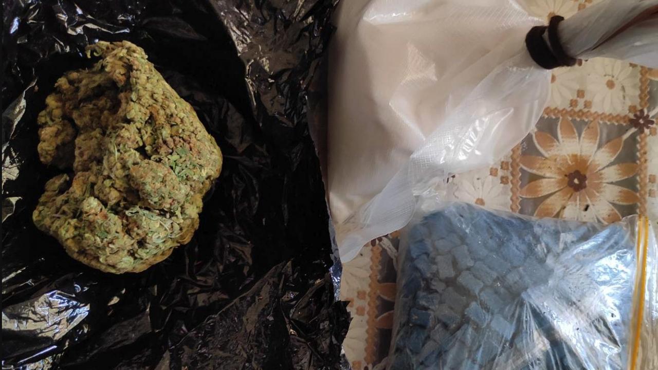 Столични полицаи спипаха над половин килограм наркотици