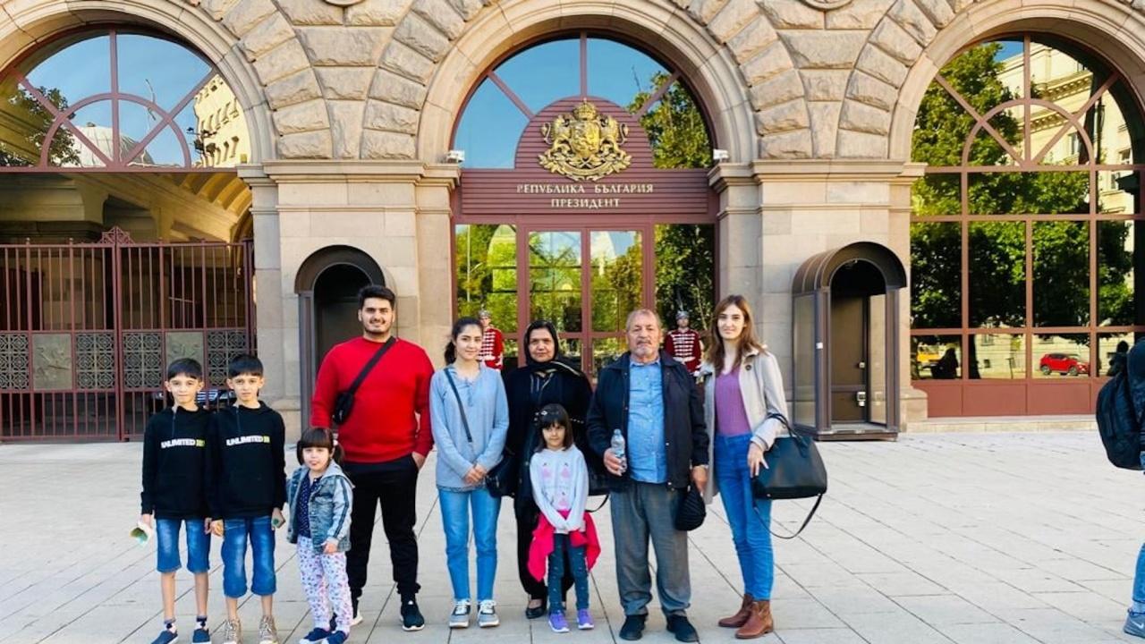 България подаде ръка за нов живот на афганистанец, работил в посолството ни в Кабул