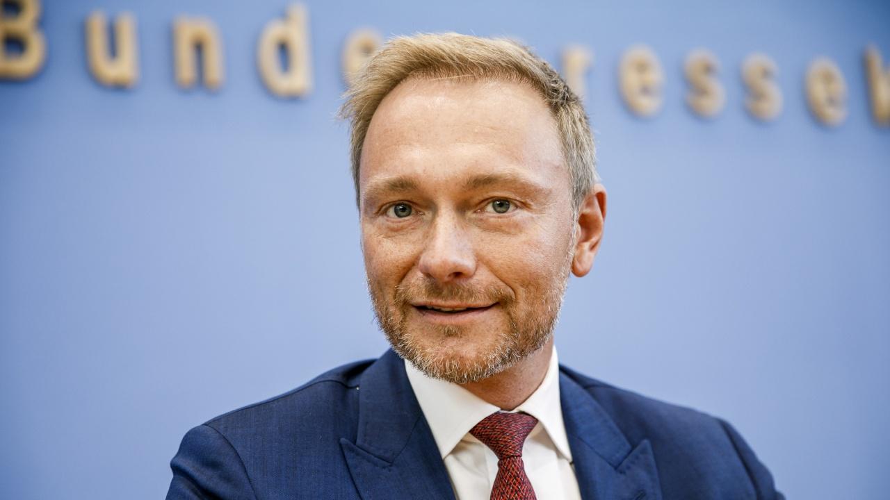 """СвДП прие да запоне консултации с ГСДП и """"Зелени"""" на 7 октомври"""