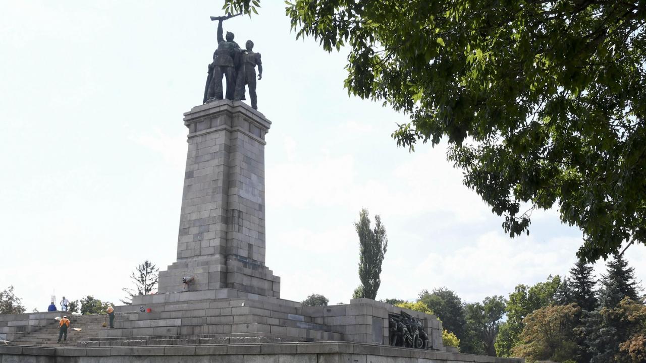 ДБ: Сега е моментът паметникът на Съветската армия да бъде преместен