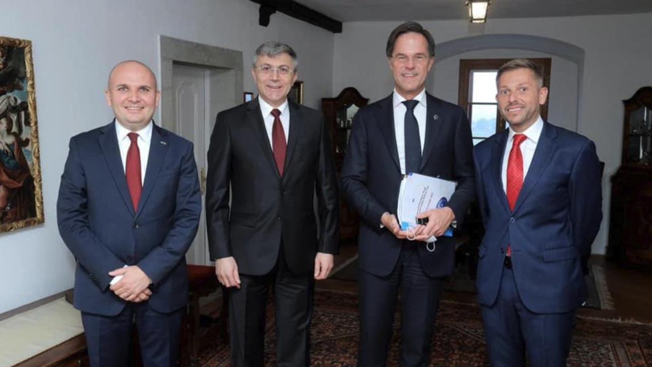 Карадайъ на среща с либерални министър-председатели
