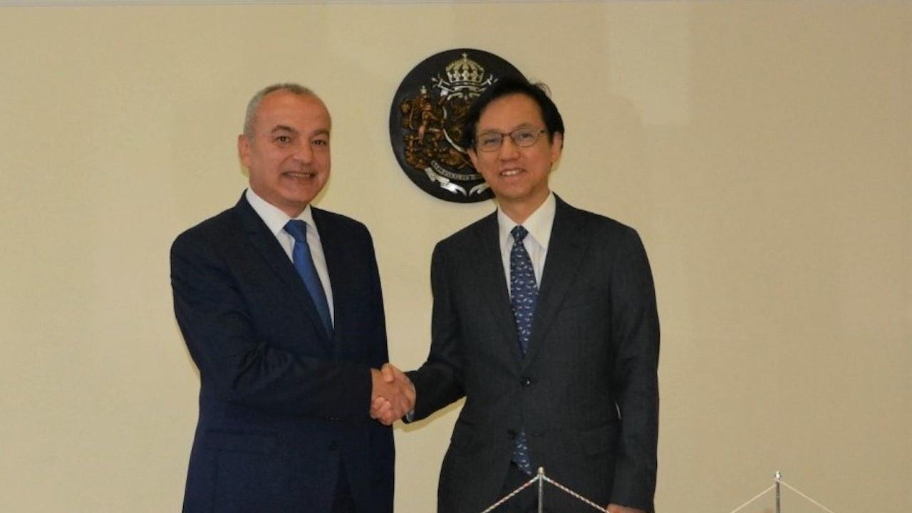 Министър Донев и японският посланик обсъдиха възможностите за насърчаване на сътрудничеството между двете страни