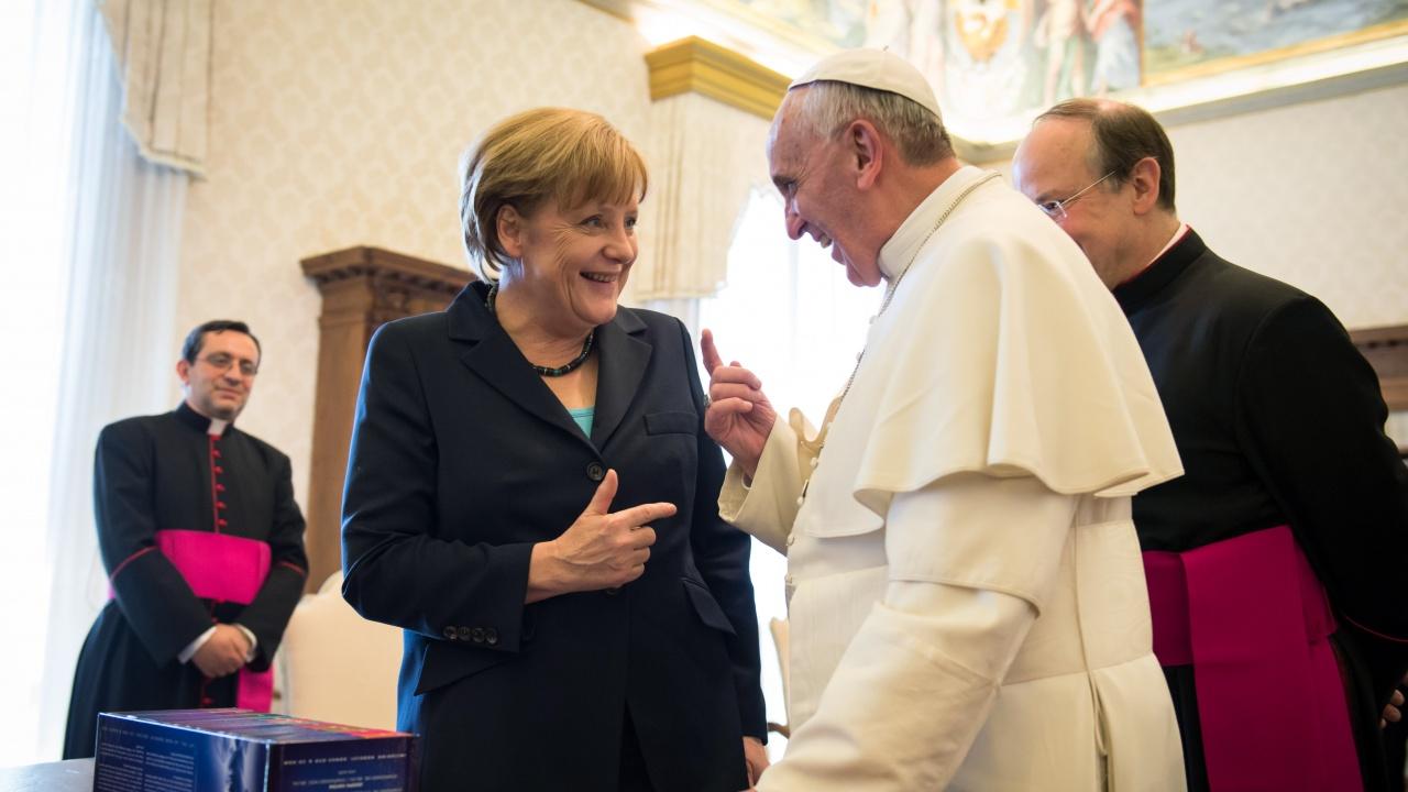 Папа Франциск прие Меркел, която е на прощална визита в Рим