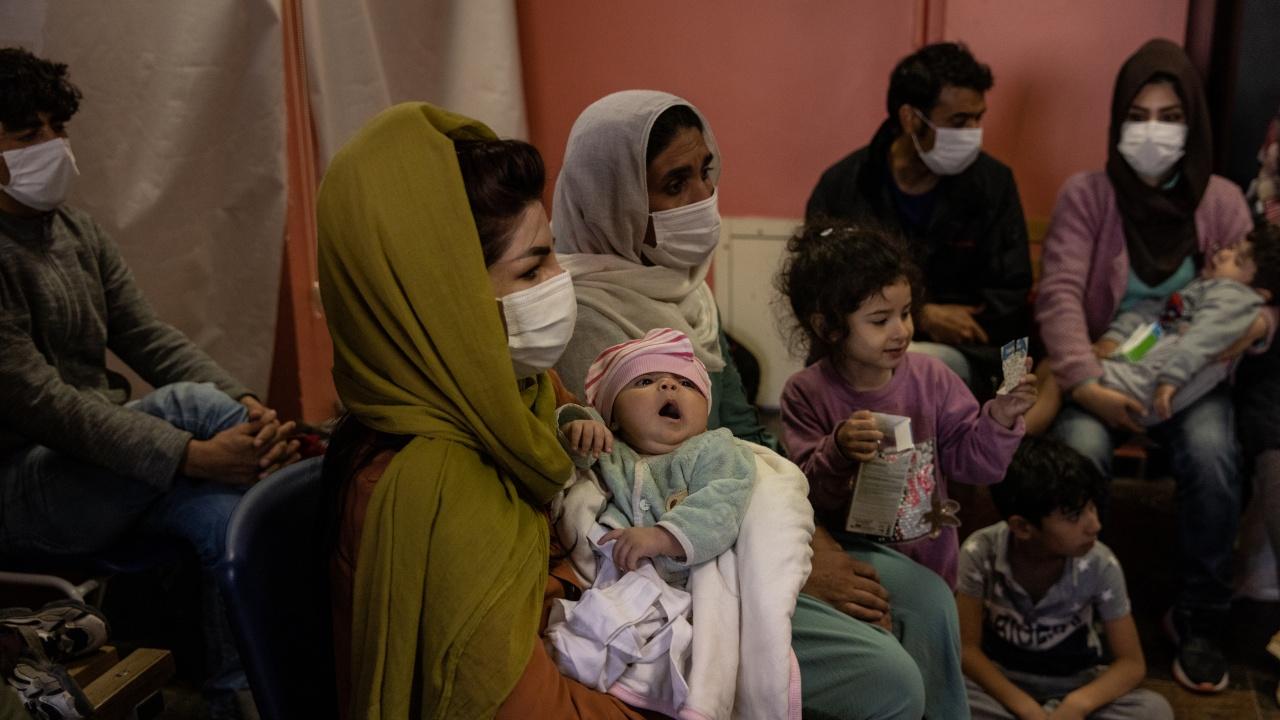 САЩ повдигнаха обвинения на бивш талибански командир и възобновиха евакуацията на афганистанци
