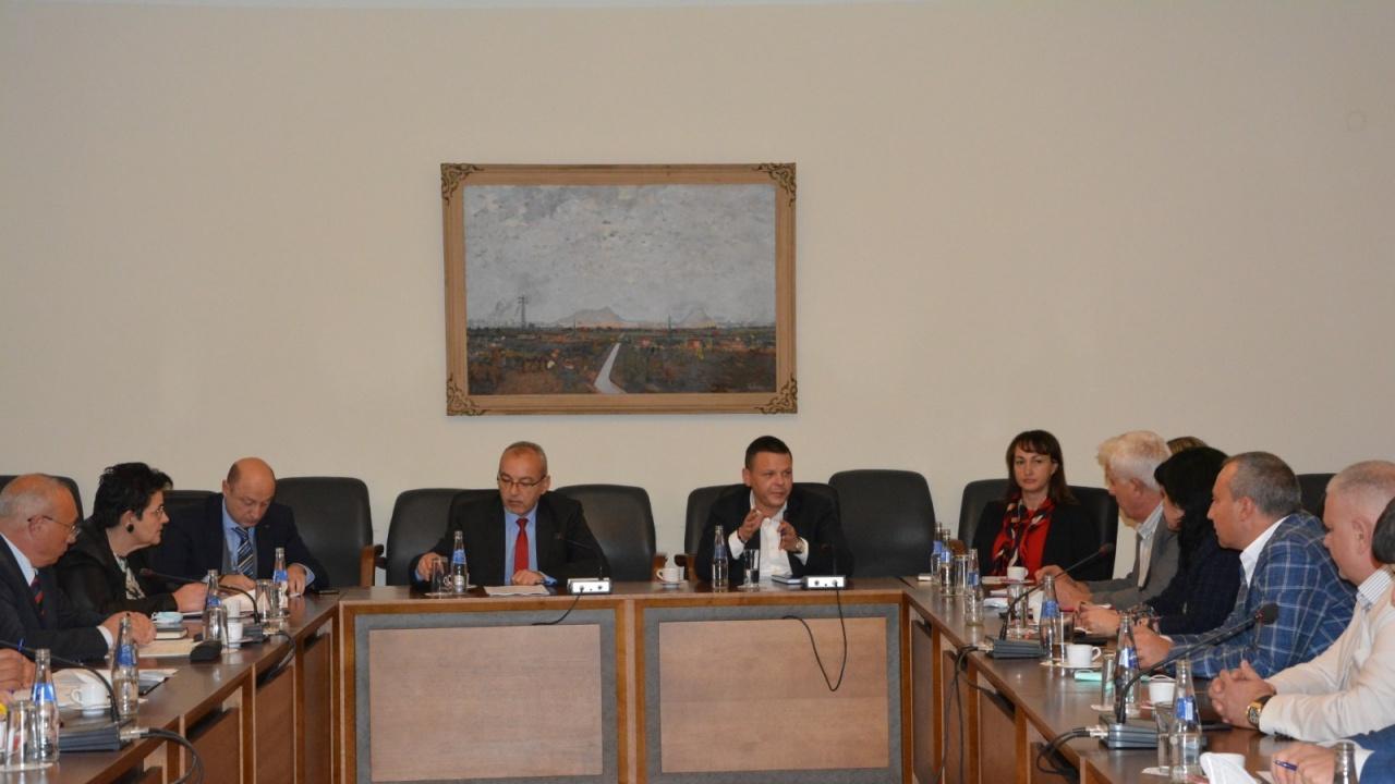 Гълъб Донев: Служебното правителство осигури 15 млн. лева допълнителна субсидия за автобусните превозвачи