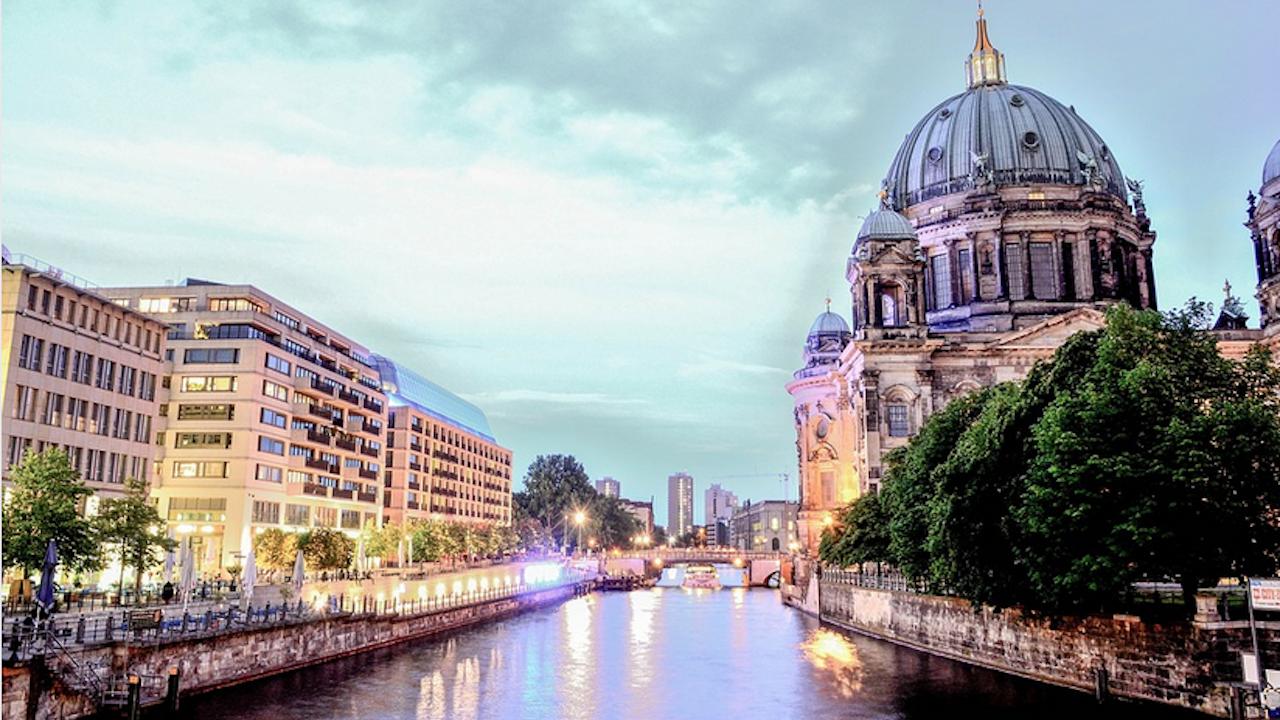 """Германската полиция разследва случаи на """"Хавански синдром"""" в посолството на САЩ в Берлин"""