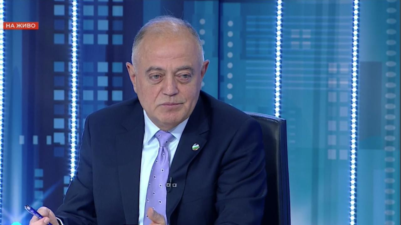 Атанас Атанасов: Потресе ме инициативният комитет на Румен Радев, в който има 27 бивши агенти на ДС