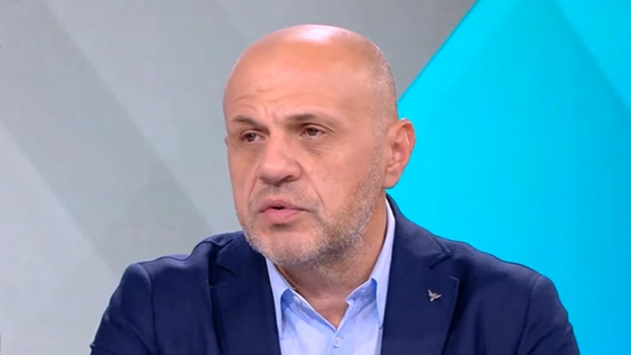 Дончев: Радев е опасен за демокрацията, затова на балотаж бихме подкрепили Лозан Панов