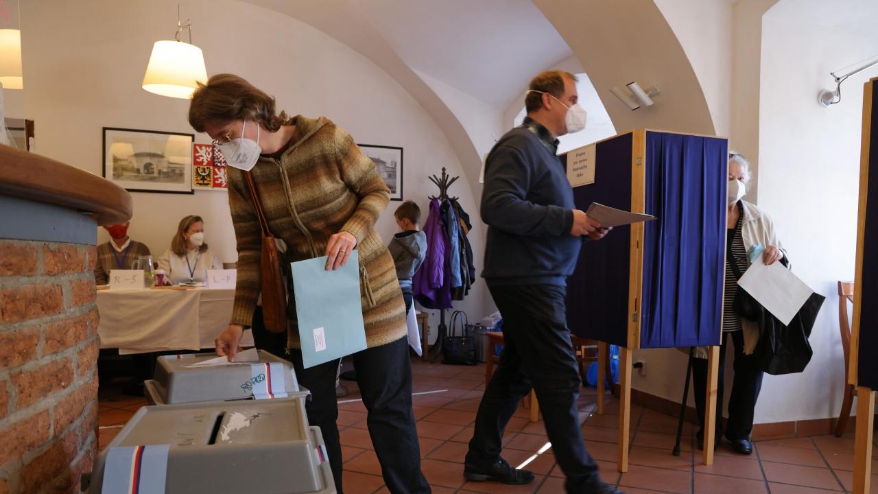 Чешката опозиция изненадващо спечели мнозинство в парламента