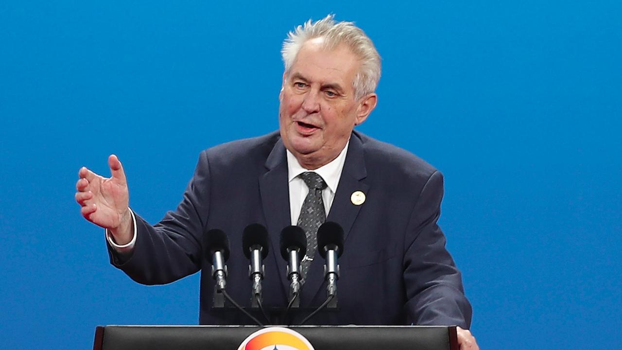 Чешкият президент Земан бе приет в болница
