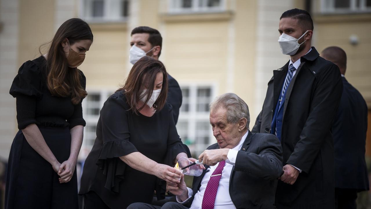 Президентът на Чехия остава в интензивно отделение