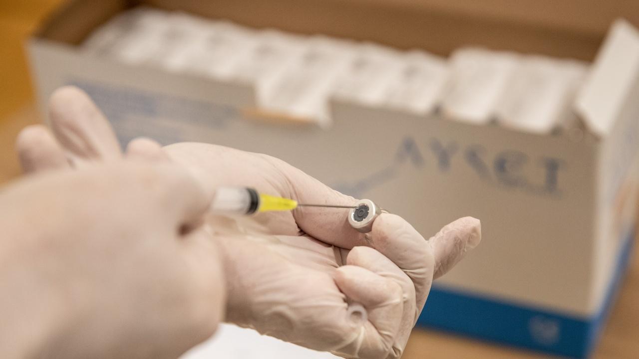 В 27 турски окръга над 75% от населението е със завършена ваксинация