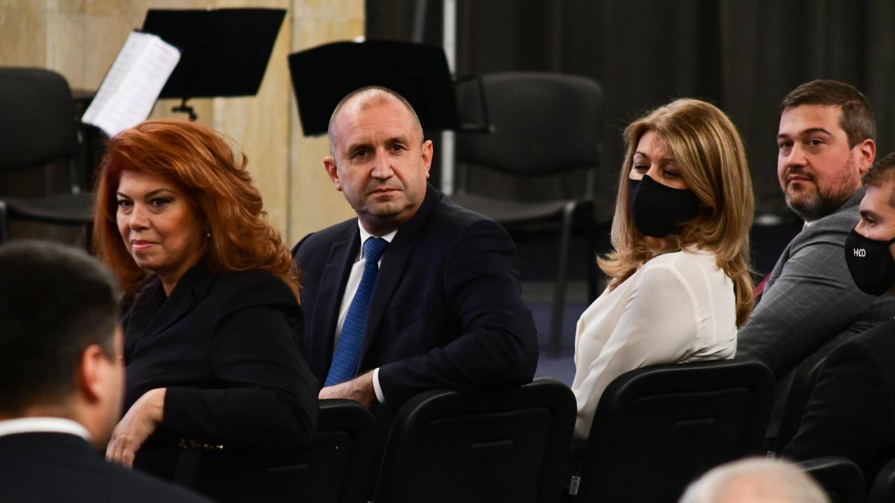 Регистрираха Радев и Йотова официално за изборите, от ИК очакват победа още на първи тур