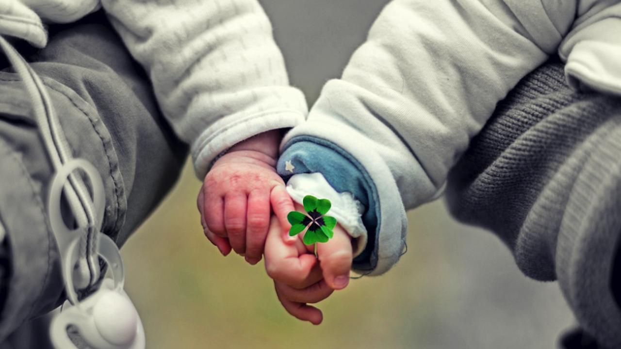 Общинският съвет за наркотични вещества в Разград раздаде детелинки по повод Световния ден на психичното здраве