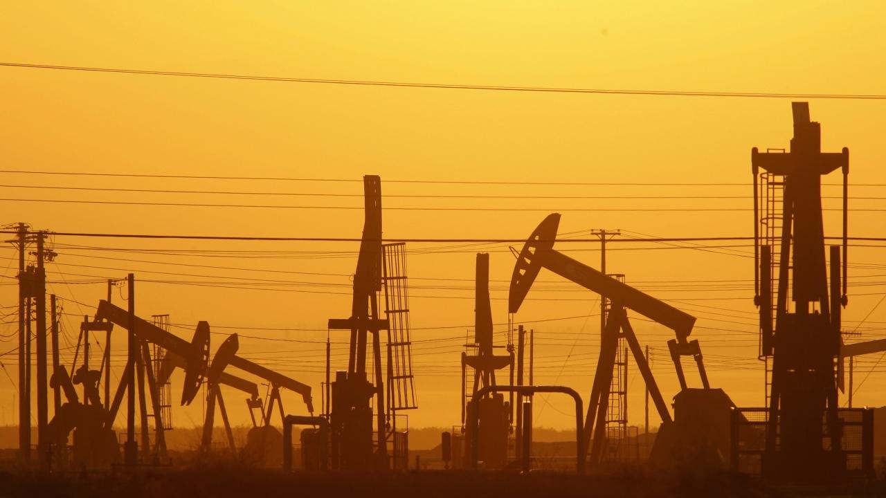 Петролът поскъпва към нови многогодишни върхове заради енергийната криза