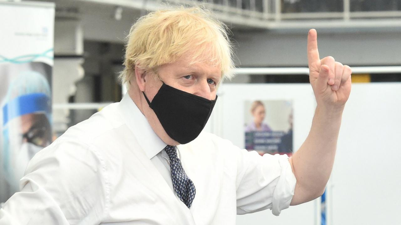 Доклад на британския парламент: Кабинетът се забави много с въвеждането на локдаун