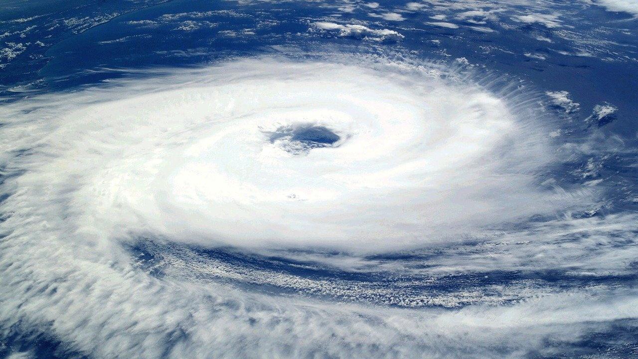 Тайфун взе 9 жертви във Филипините, 11 души са изчезнали
